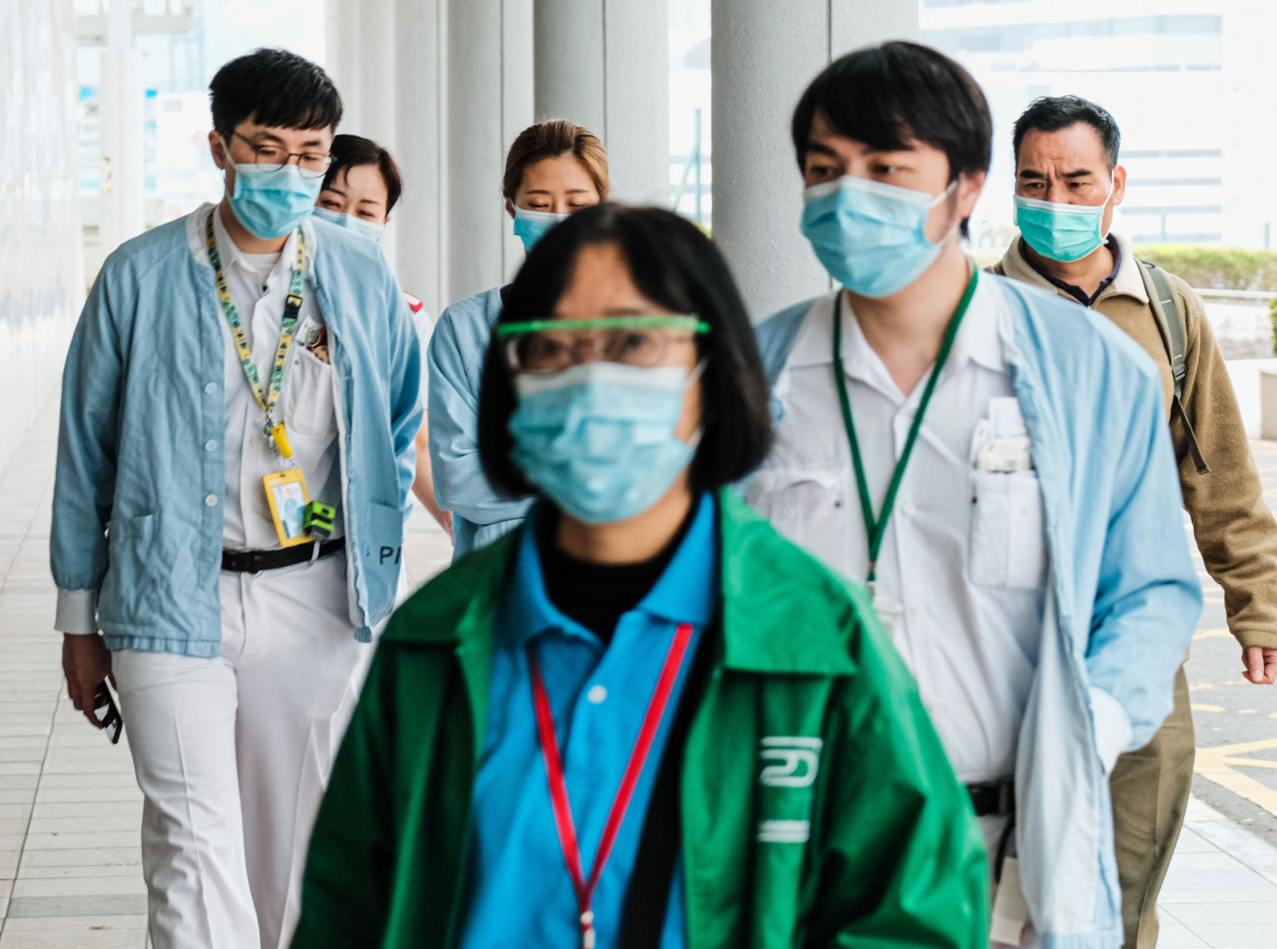 Should face masks be mandatory when visiting hospitals?